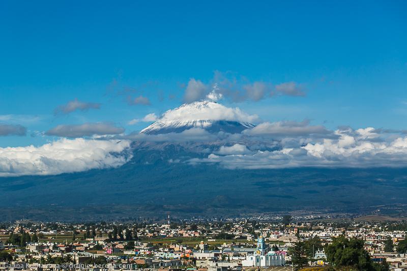 Чолула Мексика, вулкан Попокатепетль. Cholula Mexico, Popocatépеtl