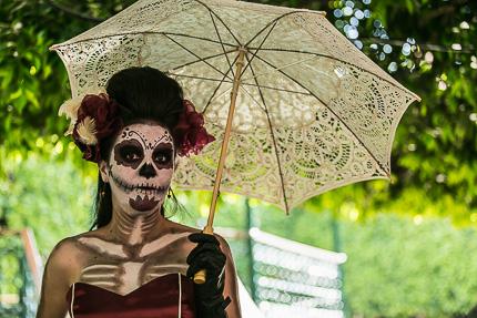 День мертвых в Мексике. Улыбка Катрины и сладкий гробик на десерт