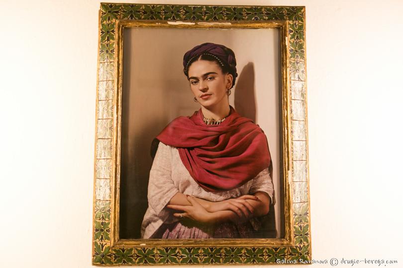 Фрида Кало, фото автопортрета в музее Фриды Кало