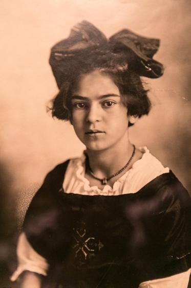 Фрида Кало в детстве (фотография с фотографии из дома-музея Фриды Кало)