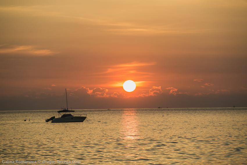 Таиланд, Пхукет, пляж Найхарн; Thailand, Phuket, Naiharn beach