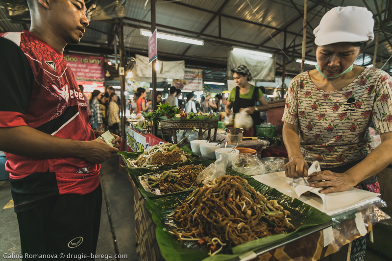 Night market Phuket-61