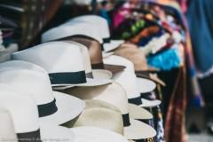 Шляпы ручной работы на рынке Отавало