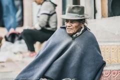 Пончо и шляпа - часть национального костюма мужчин племени Отавало