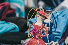 Сувениры ручной работы на рынке в Отавало