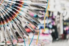 Украшения из перьев в индейском стиле