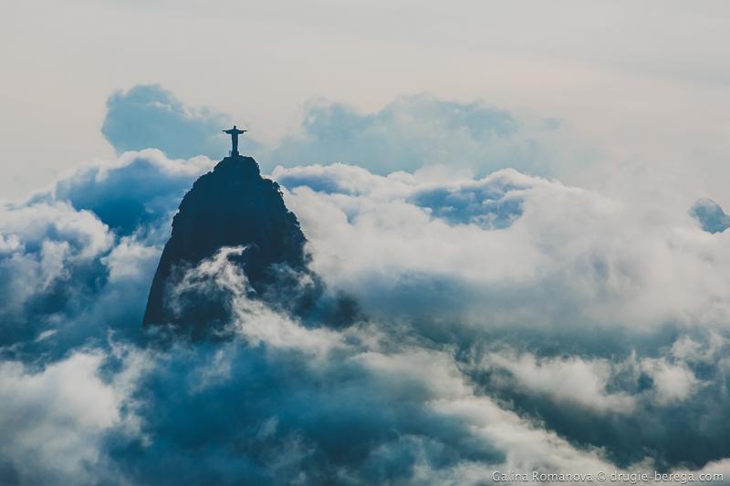 Гора Корковадо, статуя Христа Искупителя в Рио-де-Жанейро
