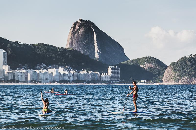 Вид на Сахарную Голову с пляжа Копакабана, Рио-де-Жанейро