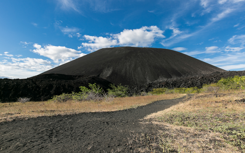 Никарагуа, вулкан Серро-Негро. Nicaragua, volcano Cerro Negro