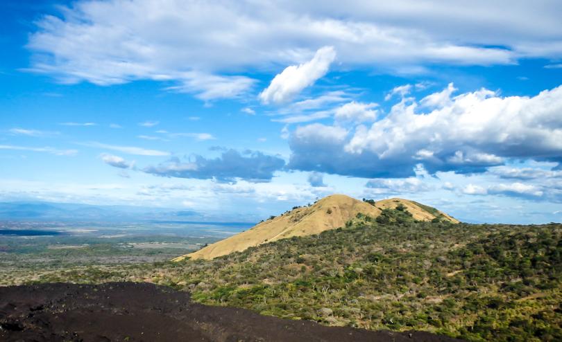 Вид с вулкан Серро-Негро, Никарагуа. Nicaragua, Cerro Negro